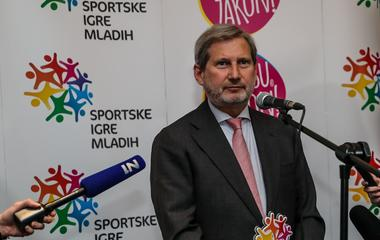 Johannes Hahn, ambasador Sportskih igara mladih